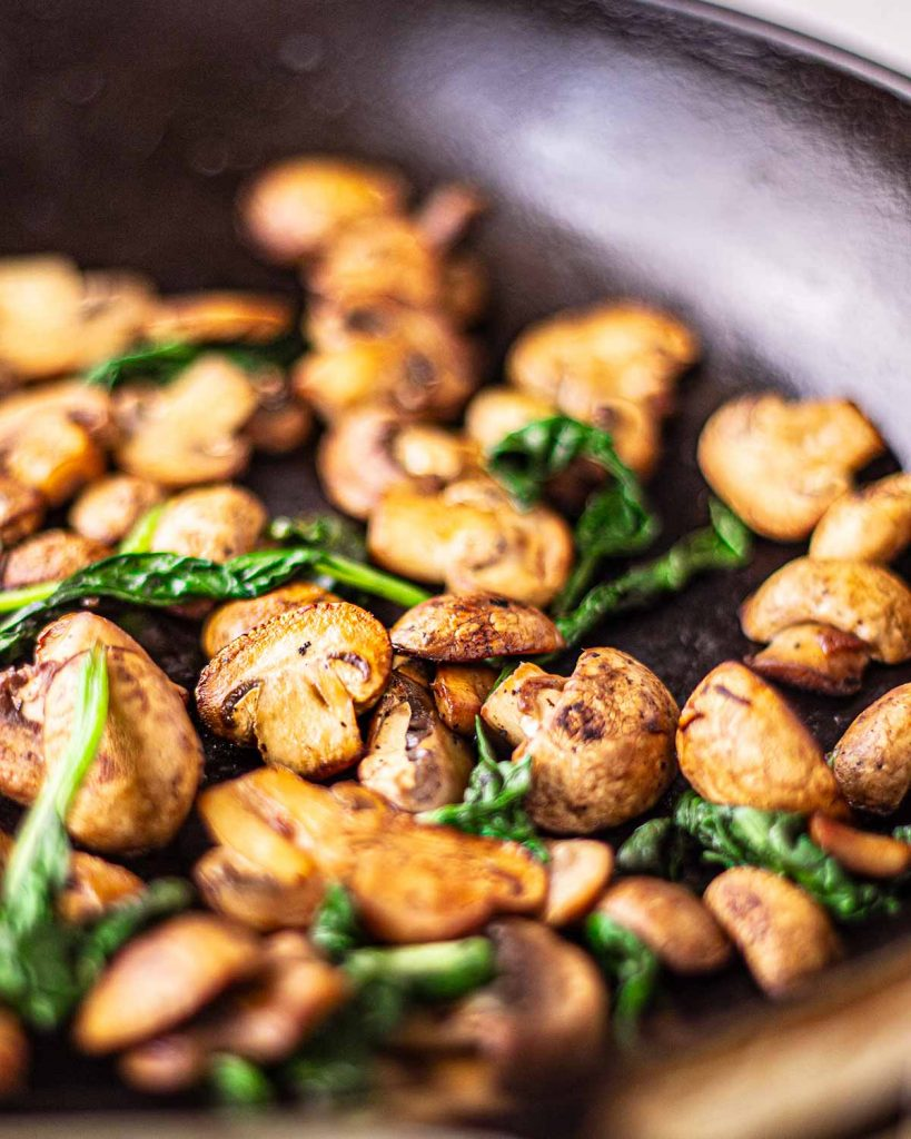 Easy Vegan Alfredo Pasta with mushrooms and spinach